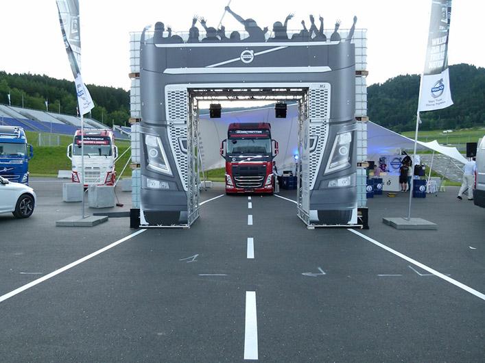 portfolio_truck_racing